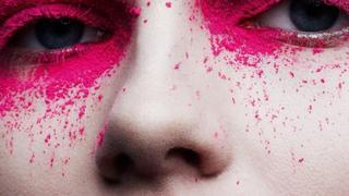 """Aneta Pająk prezentuje oryginalne makijaże dla paryskiego """"Vogue'a"""""""