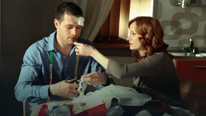 """Agnieszka (Magda Walach) i Tomek (Andrzej Młynarczyk) w serialu """"M jak miłość""""/ fot. MTL Maxfilm"""
