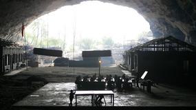 Chińczycy zbudowali wioskę w jaskini. Zobacz, jak żyją