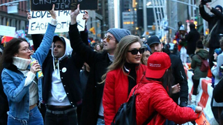 Modelki i gwiazdy protestują przeciwko polityce Donalda Trumpa