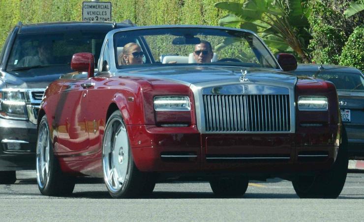 A különleges Rolls Royce luxusautójuk értéke több mint 125 millió forint / Profimedia-Reddot