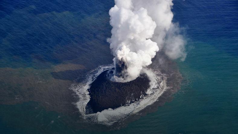 Nowa wyspa staje się coraz większym problemem dla japońskich władz