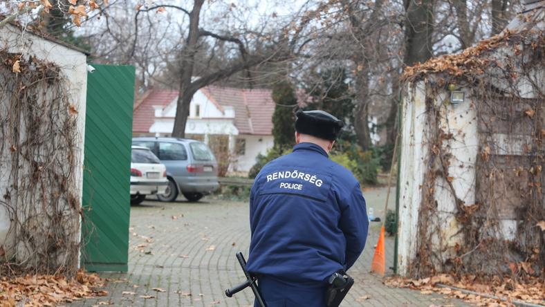 Amikor megtalálták a holttestet, a renndőrök lezárták a környéket / Fotó: Weber zsolt