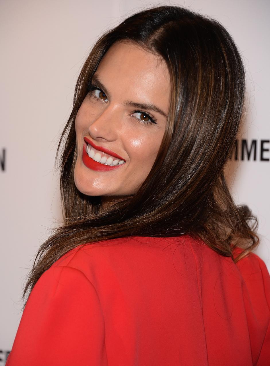 Alessandra Ambrosio w komplecie Cushnie et Ochs / fot. Getty Images