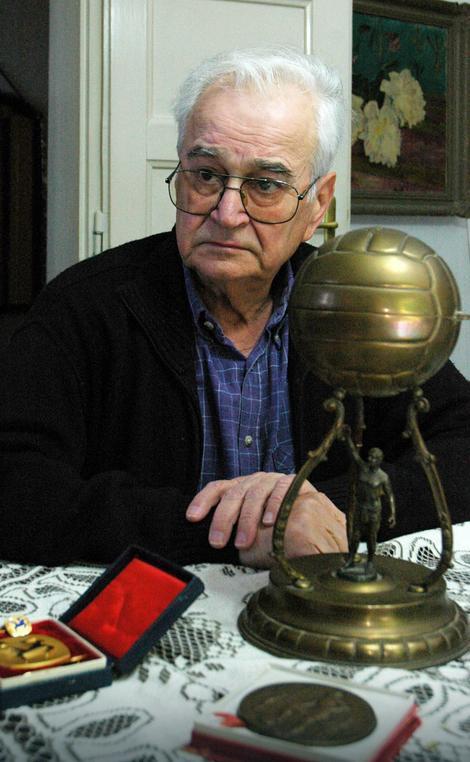 Sin dr Hadžija Kosta Hadži čuva sportsku relikviju