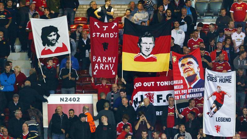 A United-szurkolók bánatukat dalban mondták el / Fotó: AFP