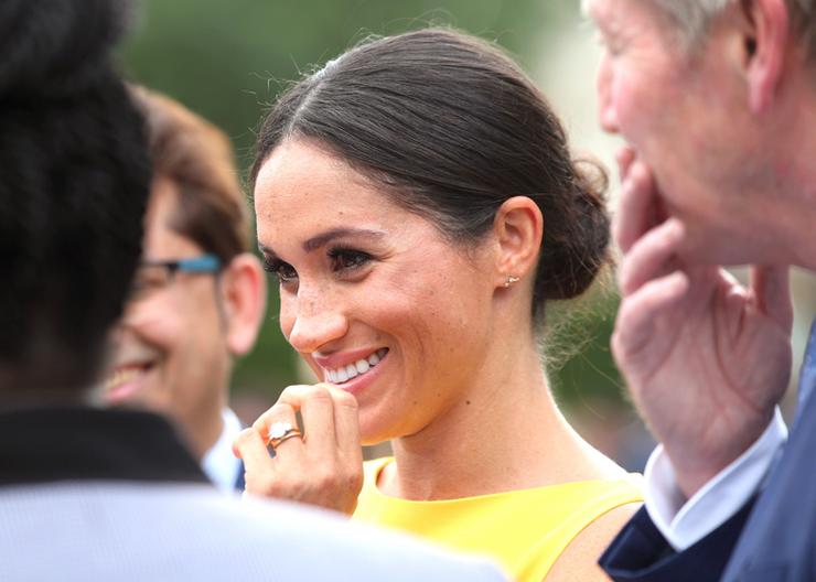 Meghan hercegné nagyon bájosan és hercegnésen viselkedett, de... Fotó: Northfoto