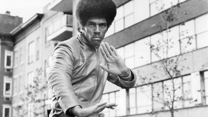 "Kadr z filmu ""Black Belt Jones"" (reż. Robert Clouse)"