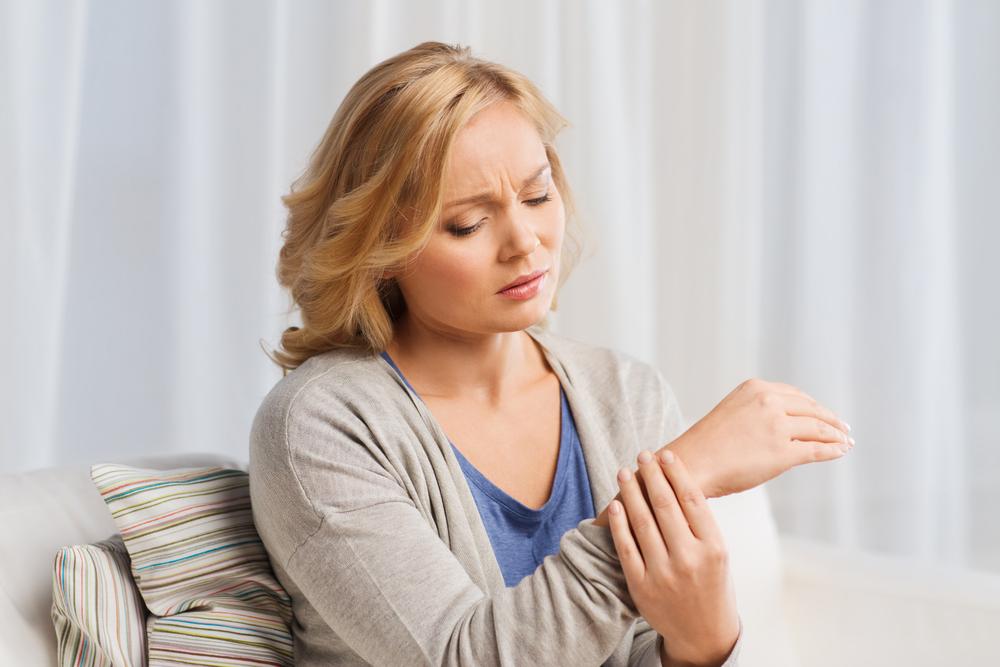 fájdalom az alkarban és a könyökízületben serdülők kezelésében a térdízület szinovitisz