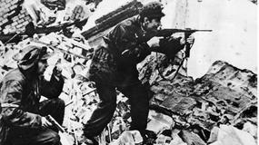 Powstanie warszawskie na archiwalnych fotografiach. Tak wyglądał bój o wyzwolenie stolicy
