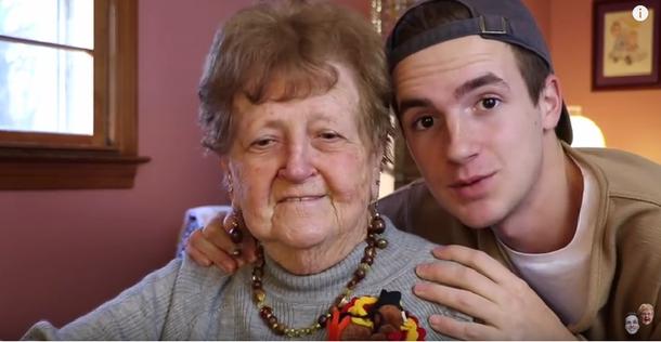 Ta babcia podbija sieć zabawnym tutorialem makijażowym