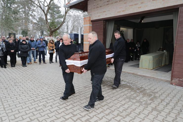 A budakeszi temetőben búcsúztak el Kiss Józseftől /Fotó: Grnák László