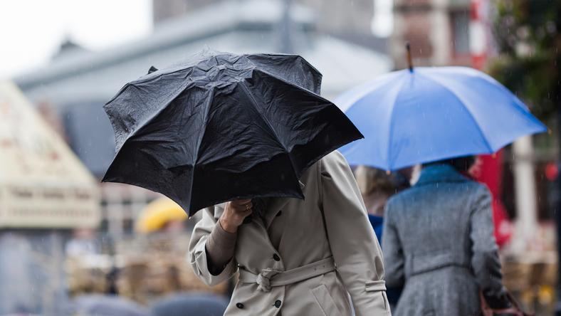Ez a hét az esernyőkereskedőké / Fotó: Northfoto