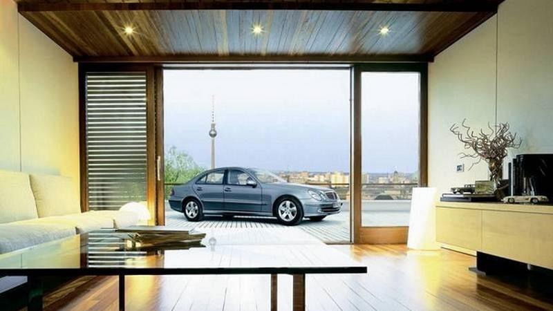 Samochód w domu 1