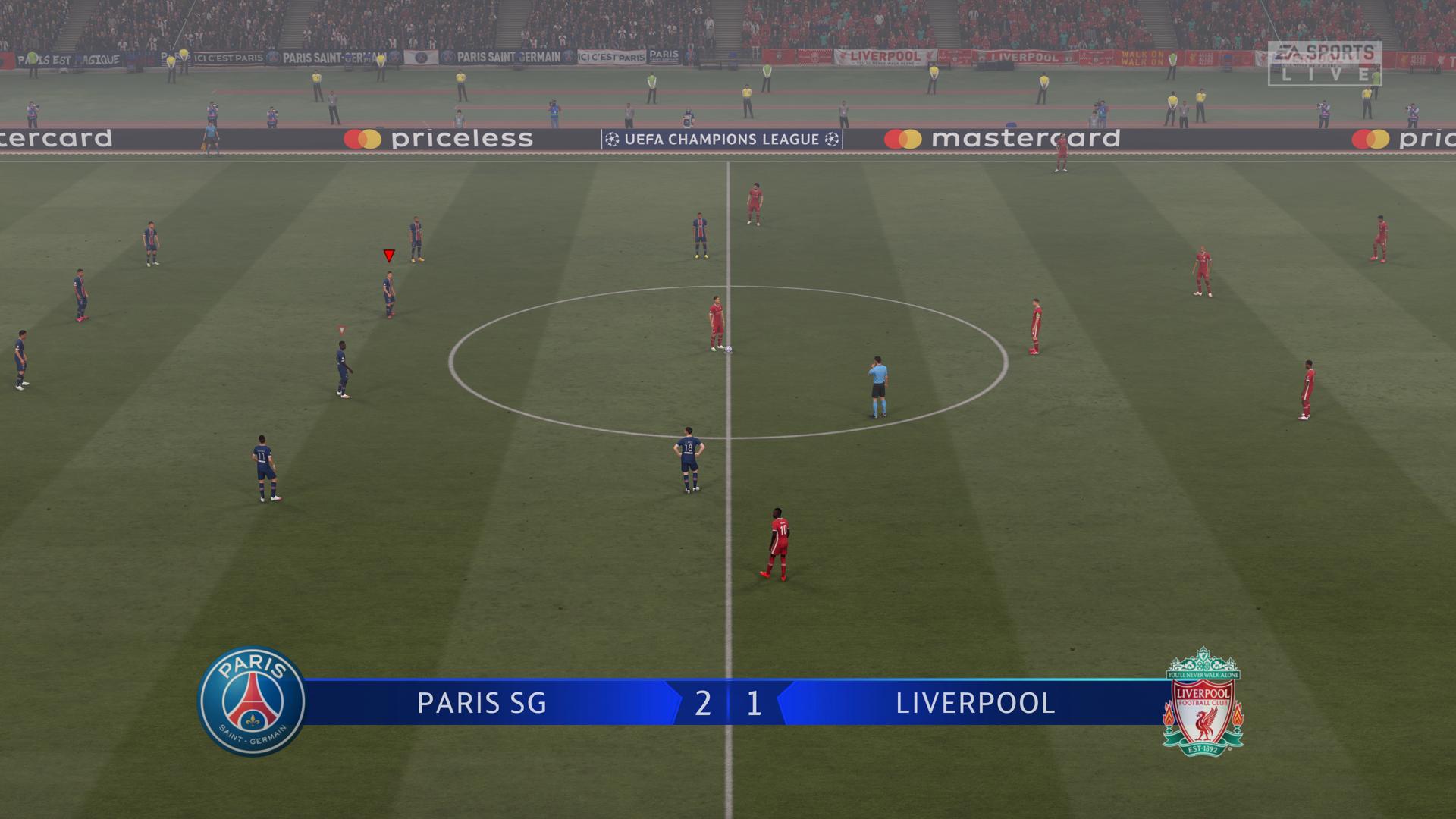 Virtuálny futbal dokáže zabaviť na dlhé hodiny.