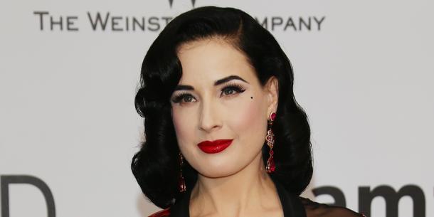 Ile czasu zajmuje poranny makijaż Dity Von Teese?