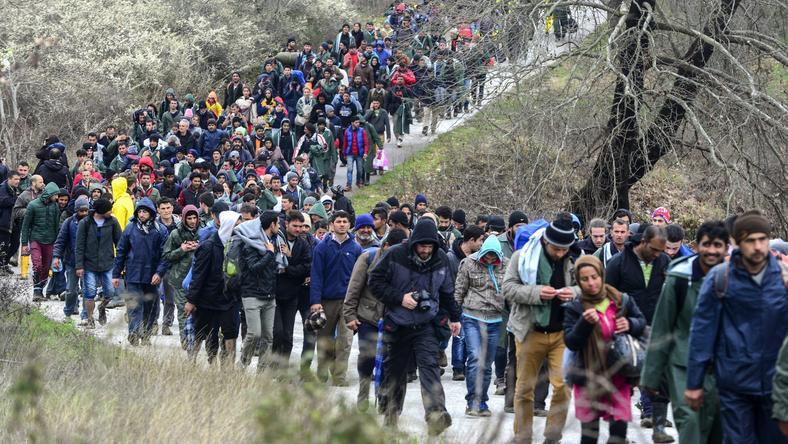 A görög szigeteken rekedt menekülteket beljebb terelik. Aki éjfél után érkezik, azonnal mehet is vissza az EU-s megállapodás nyomán /Fotó: MTI