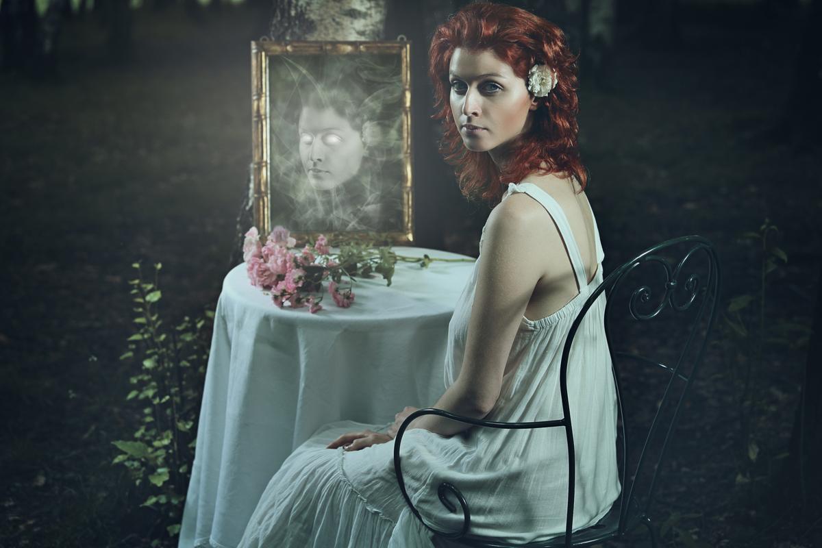 Vidd ki a tükröt a hálóból, mert bajt hozhat! - Blikk Rúzs