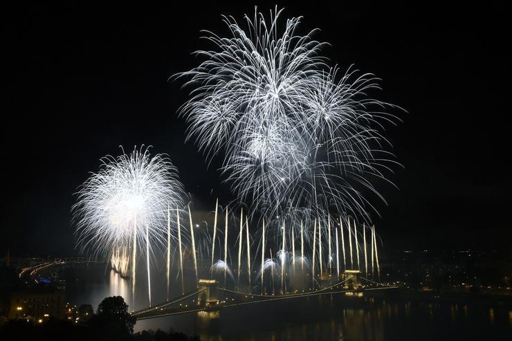 Tűzijáték Budapesten /Fotó: MTI-Kovács Tamás