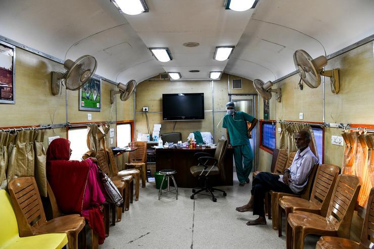A vonat össze vissza közlekedik szerte Indiában /Fotó: AFP
