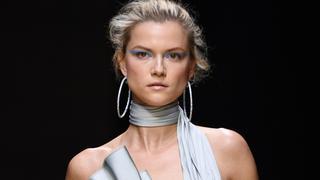 Kasia Struss na pokazie Atelier Versace