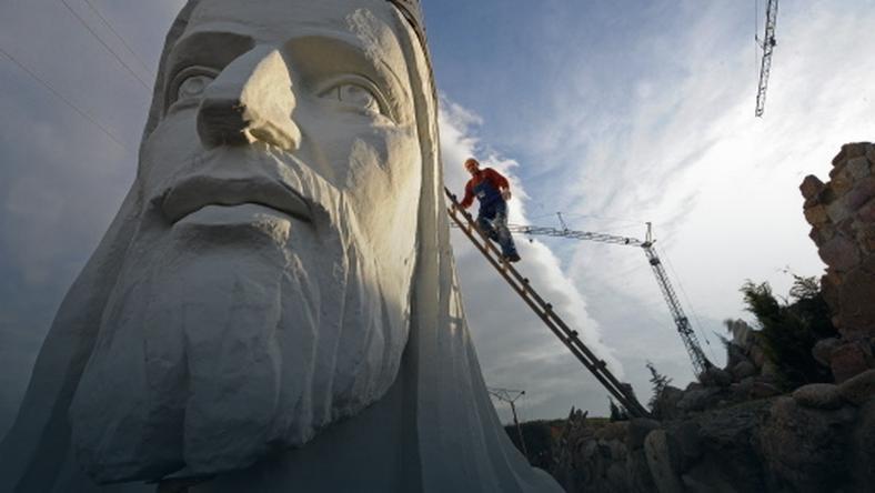 Głowa pomnika Jezusa Chrystusa w Świebodzinie, fot. AFP/Janek Skarzynski