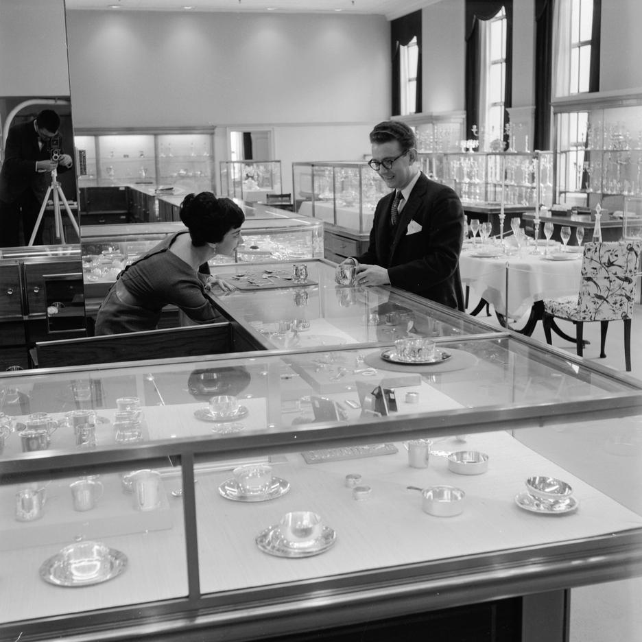 Sklep Tiffany&Co w Nowym Jorku, 1955 rok / Getty images