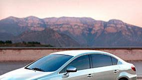 Zdjęcia szpiegowskie: Toyota Avensis Combi i Sedan