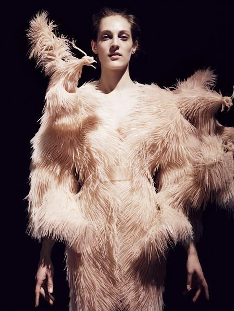 Iris Van Herpen AW13 / Courtesy of The Metropolitan Museum of Art