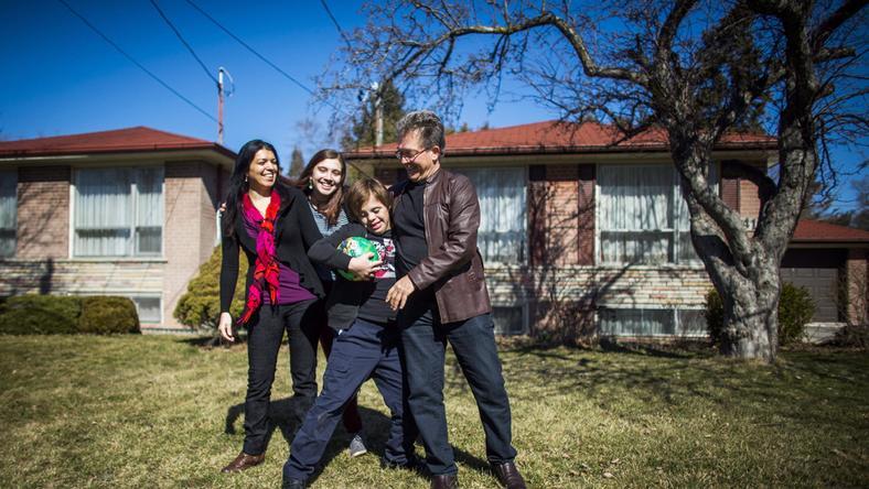 A Down-szindrómás Nico és családja nincs könnyű helyzetben /Fotó: Northfoto