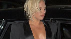Lady Gaga pokazała pierś. I rozstępy