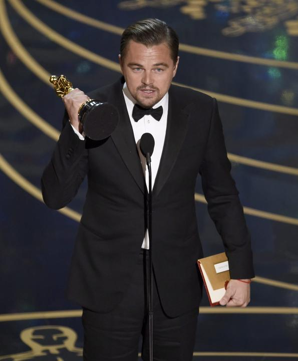 Ki hitte volna, hogy végre megkapja Leonardo DiCaprio a díjat?!/Fotó: MTI