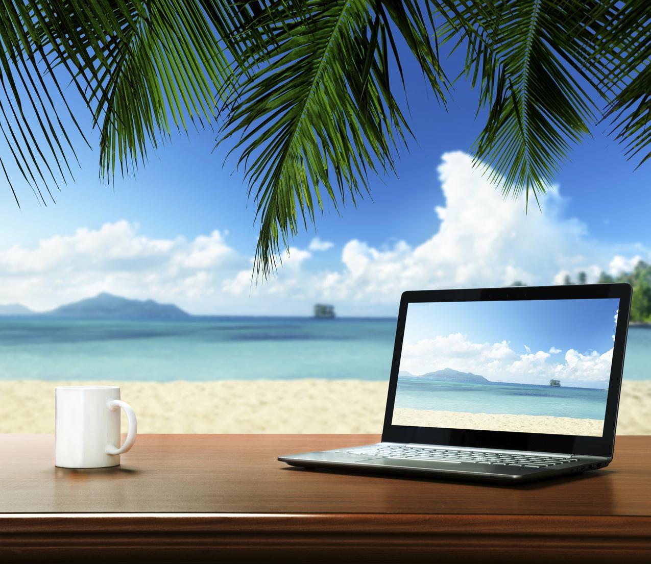 5 sposobów na wakacje w biurze
