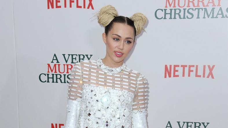 Miley újra hordja Liamtől kapott jegygyűrűjét /Fotó: Northfoto
