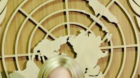 Piękna blondynka w ONZ
