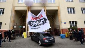 Happening Greenpeace przed budynkiem Ministerstwa Środowiska