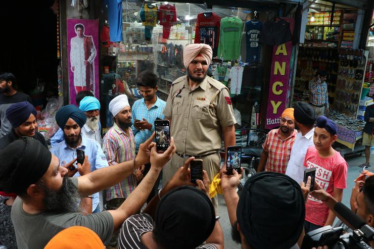 A rendőr helyi hírességnek számít/Fotó: Northfoto