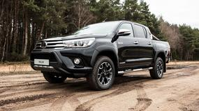 Toyota Hilux Invincible 50 Chrome Edition - pół wieku pick-upa