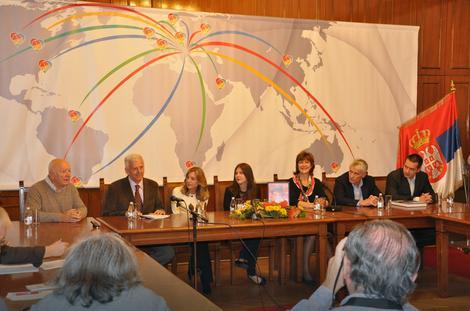 Porodica Karla Maldena sa Den Tanom i predstavnicima Kancelarije za saradnju sa dijasporom i Srbima