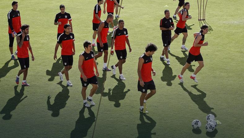 Zawodnicy Atletico przygotowujący się do meczu z Chelsea