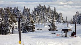 65 narciarzy utknęło na wyciągu krzesełkowym. Jest nagranie z akcji ratunkowej