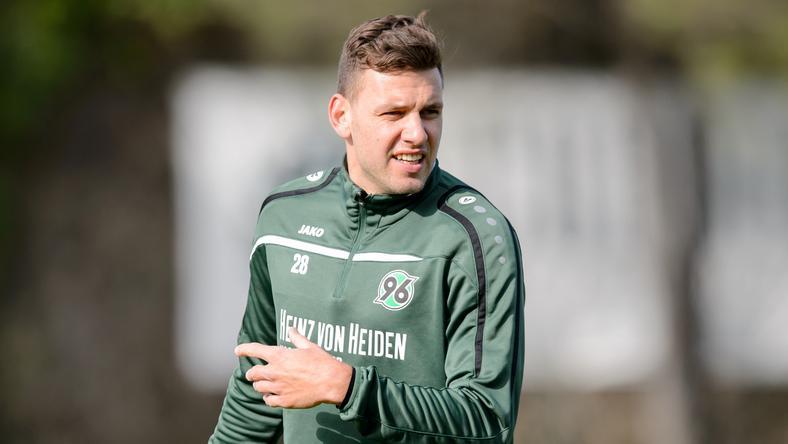 Szalai Ádám sem tud segíteni Hannovernek /Fotó: AFP