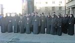 SUĐENJE ARTEMIJU Protest u mantijama ispred palate pravde