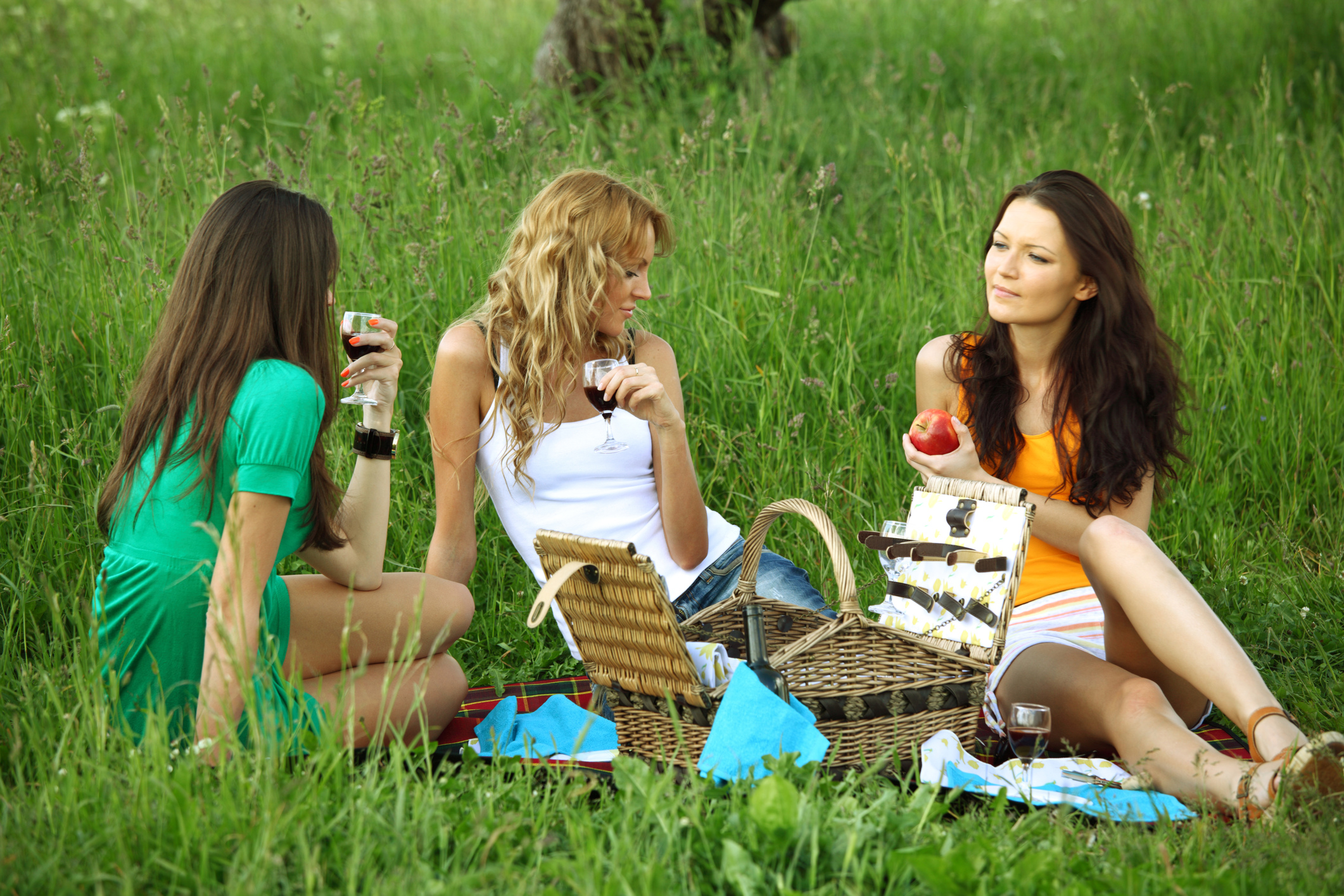 Фото две подружки в сперме, Фото сочных дырок подруги в сперме - Частные фото 8 фотография