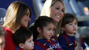 Piłkarze Barcy na mecz przyprowadzili swoje pociechy