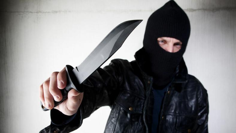 Késsel támadta meg a rendőröket a gyulai férfi / Fotó: Northfoto