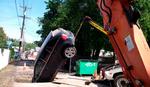 KARMA Kritikovao je suprugu da ne ume da se parkira, a onda je svoja kola PRONAŠAO U RUPI