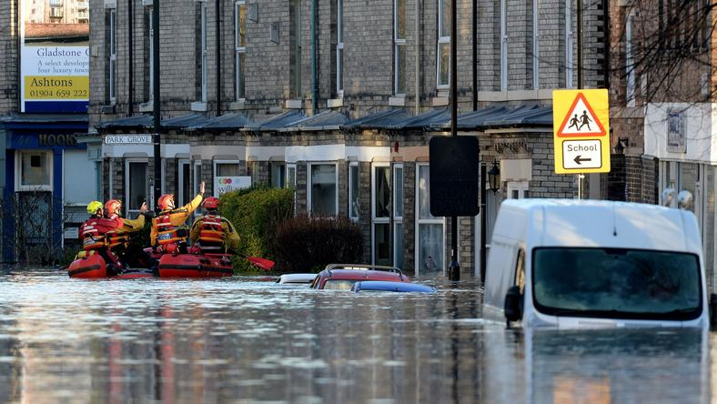 Ez volt az idei tél, havazás helyett árvíz és esőzés: az angliai Yorkot is elmosta az áradat / Fotó: Northfoto