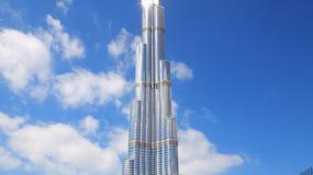 Dubaj: wyżej mieszkają, dłużej muszą pościć