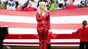 Lady Gaga zaśpiewała hymn na Super Bowl